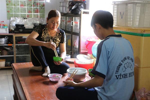 Vietnamese woman fights HIV and stigma