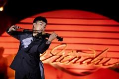 Hoàng Rob, Hà Trần thăng hoa trong concert violin trên du thuyền