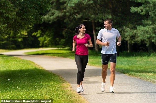 Làm 3 việc này ở tuổi 50 sẽ giúp bạn có thêm 10 năm sống khoẻ mạnh