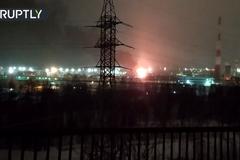 Nổ lớn tại nhà máy lọc dầu Nga
