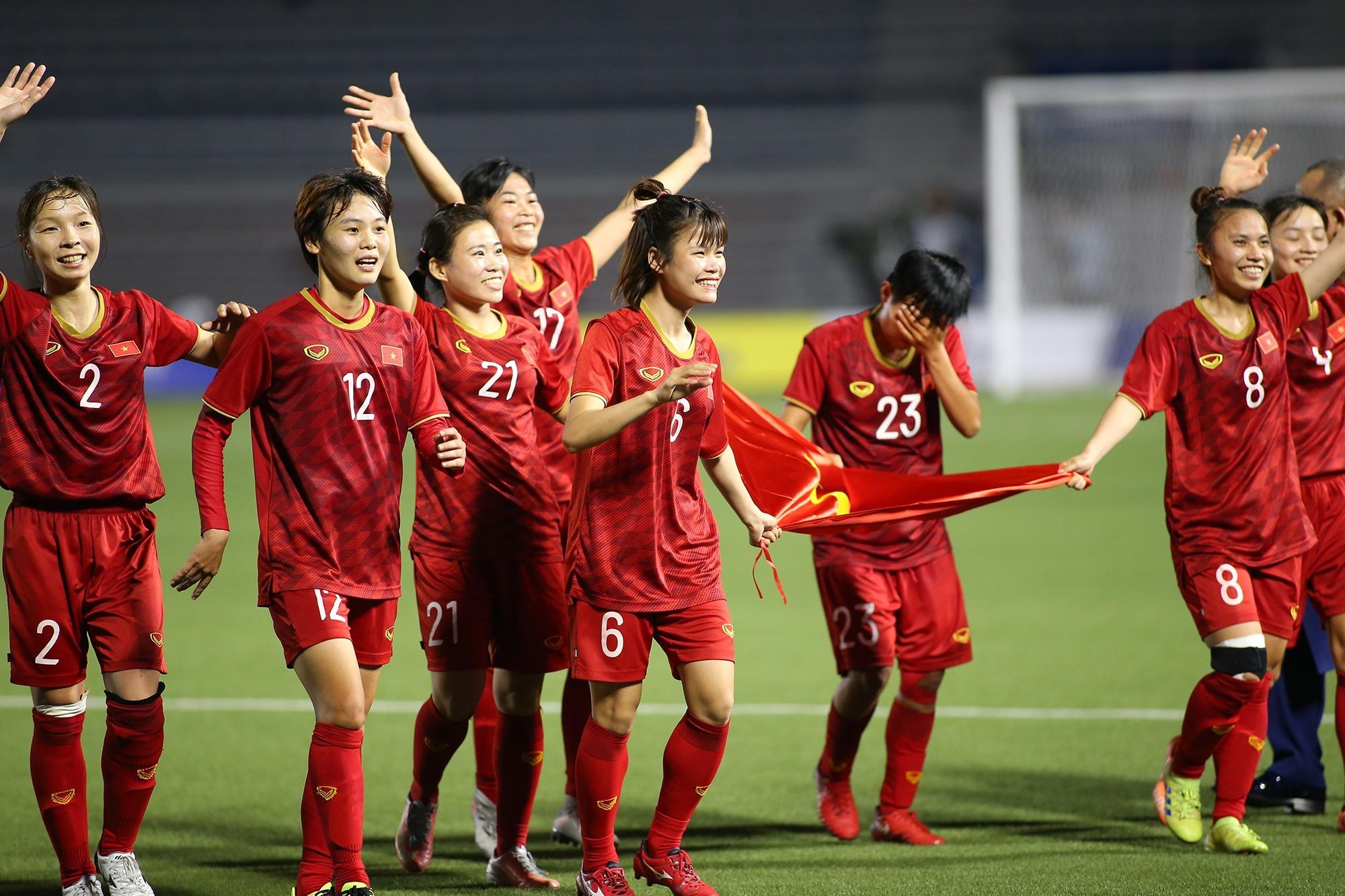 Tuyển nữ Việt Nam nhận hơn 20 tỷ sau HCV SEA Games