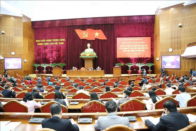 2 ủy viên Bộ Chính trị, 21 ủy viên và nguyên ủy viên TƯ, 23 tướng bị kỷ luật