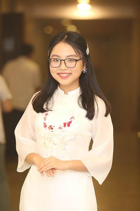 Phương Mỹ Chi: Nhiều người nói em vô ơn khi rời bỏ bố Quang Lê