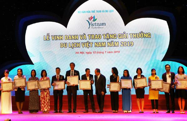 TransViet vào Top 10 công ty du lịch uy tín 2019