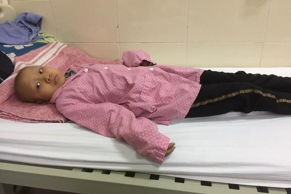 Cháu bé học sinh giỏi chôn vùi tuổi thơ trong bệnh viện vì ung thư