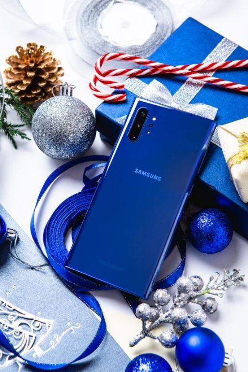 Nguồn gốc sắc xanh Aura trên Galaxy Note10+ mới