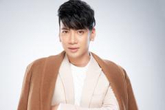 Ca sĩ Trần Nguyên Thắng gây ấn tượng với ca khúc đề tài thời sự