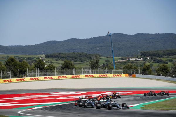 Những khán đài đường đua F1 mang tên địa danh nổi tiếng VN