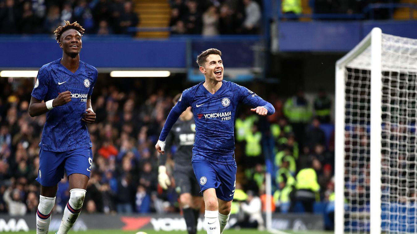 Đè bẹp Burnley, Chelsea cho MU 'hít bụi'