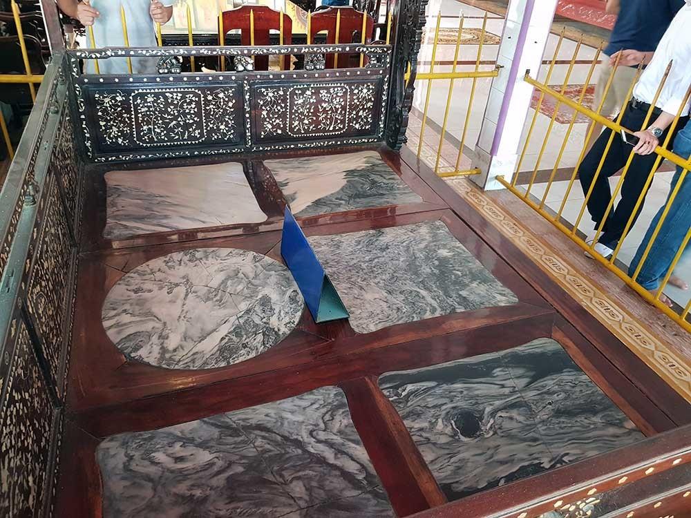 2 chiếc giường 'trái cực' độc đáo của công tử khét tiếng miền Tây