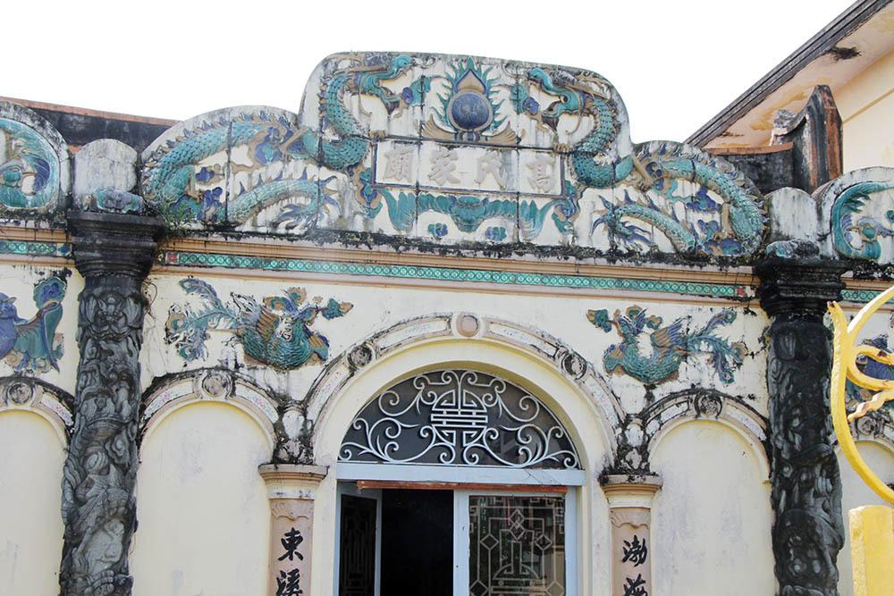 Trầm trồ nhà trăm cột, phủ thờ trầm mặc độc đáo miền Tây