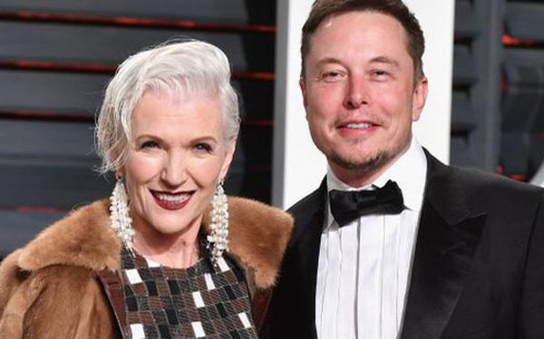 Mẹ  Elon Musk không kiểm tra bài tập về nhà, để con quyết định những gì mình muốn