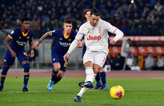 Ronaldo lập công, Juventus vô địch lượt đi Serie A