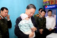 Cấp bằng Tổ quốc ghi công cho 3 liệt sĩ công an hy sinh ở Đồng Tâm