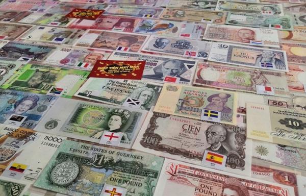'Săn' bộ tiền lì xì 180 quốc gia giá hơn chục triệu đồng