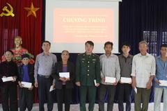 Báo VietNamNet trao quà Tết cho người nghèo vùng biên Lào Cai