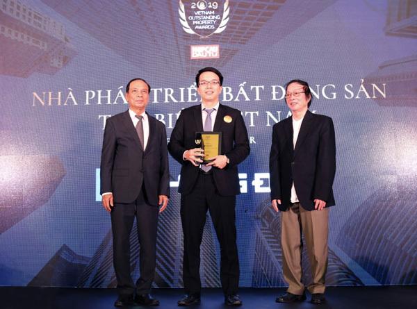 Ấn tượng đầu 2020: Khang Điền nhận 2 giải thưởng uy tín