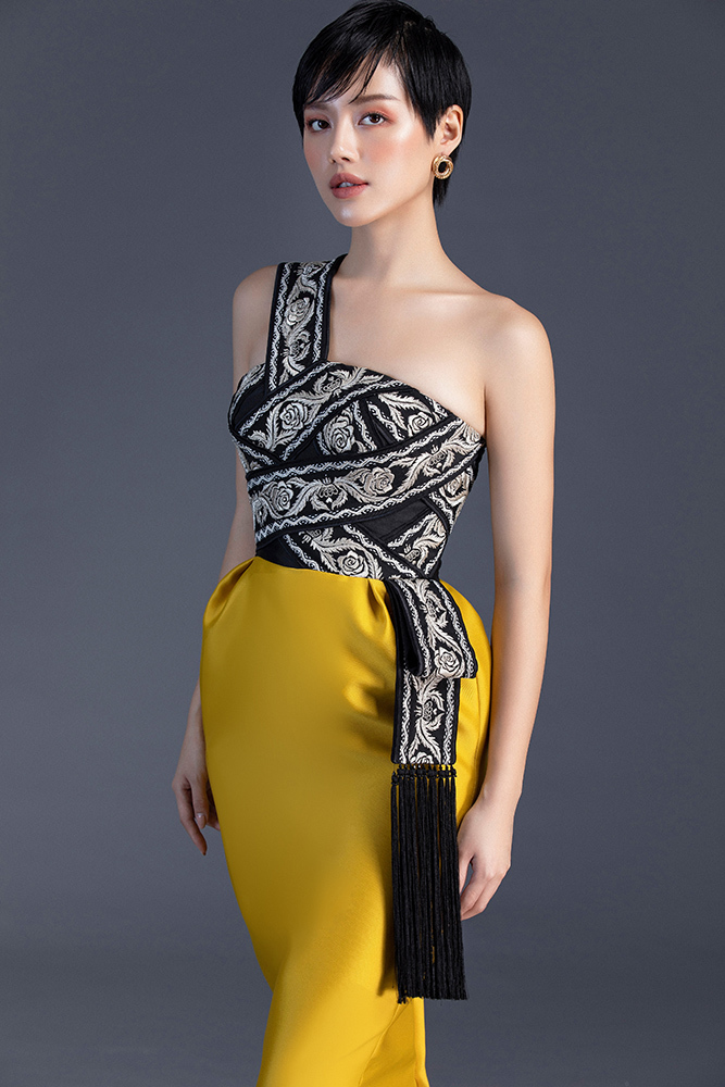 Khánh Linh The Face tóc tém vẫn diện đồ thanh lịch, nữ tính