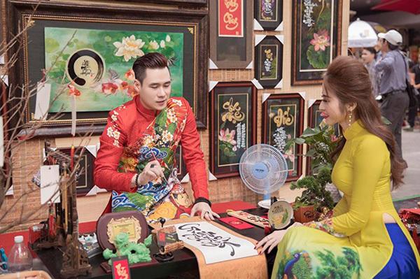 Có gì đặc biệt trong giỏ quà Tết tặng người thân của Khánh Phương?