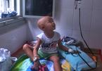 Hiếm muộn 4 năm, cặp vợ chồng suy sụp vì con ung thư