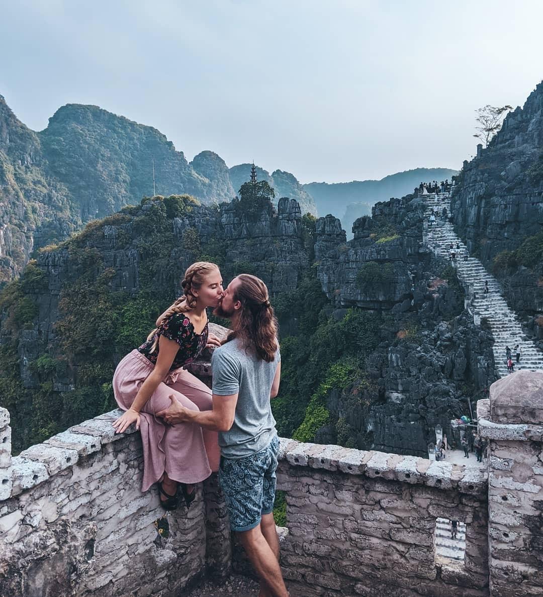 Hang Múa, động Am Tiêm đáng đi nhất Ninh Bình dịp Tết 2020