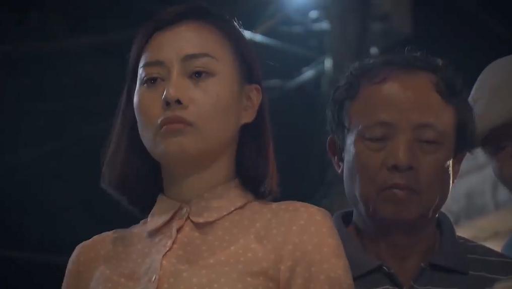 'Cô gái nhà người ta' tập 1, Đình Tú bị đánh tơi bời vì Phương Oanh