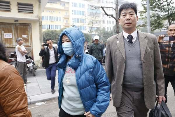 Vụ bé 6 tuổi trường Gateway tử vong, bà Nguyễn Bích Quy kín mít đến tòa