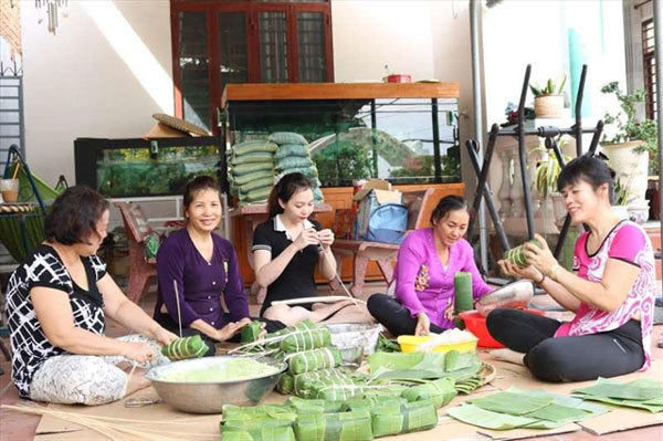 Migrant workers welcome Tet far from home