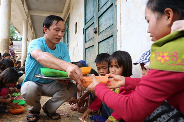 Quang Tri,teacher Ly Chi Thanh,volunteer work,supporting poor people