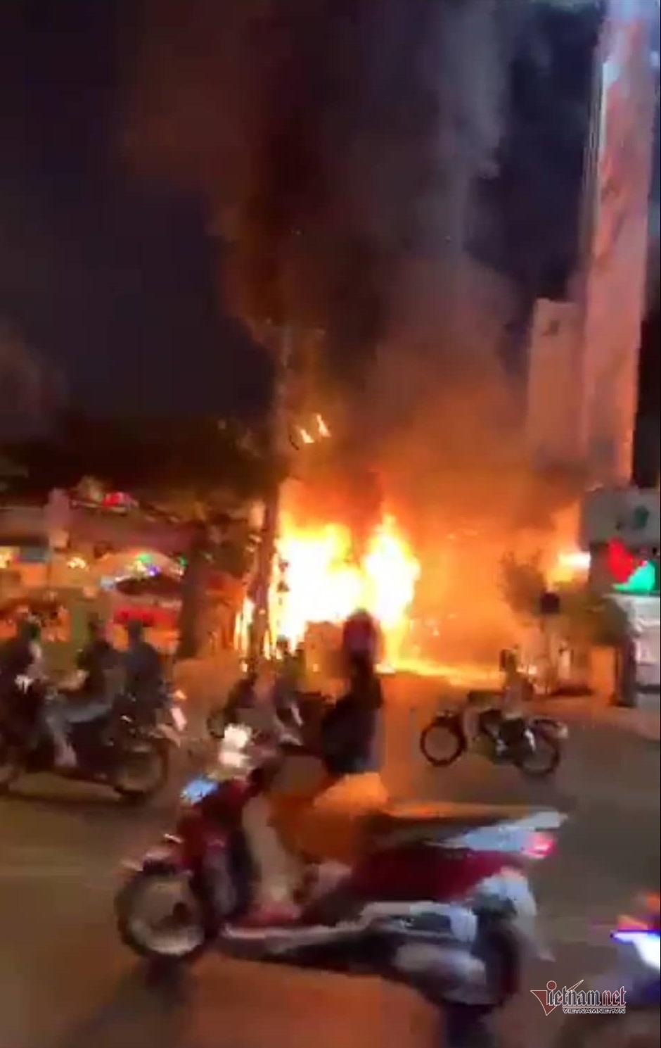 Hỏa Hoạn,Cháy Lớn,cháy xe khách