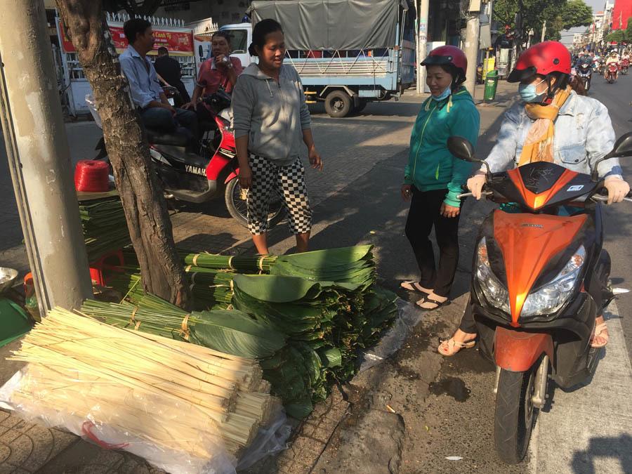 Khu chợ mỗi năm chỉ họp một lần ở Sài Gòn