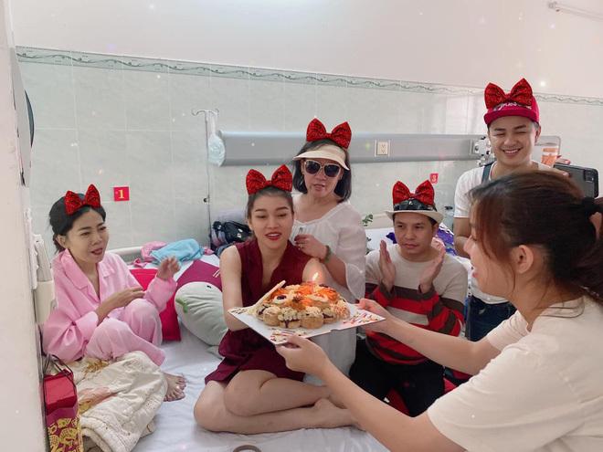 Sức khỏe chuyển biến xấu, Mai Phương đón sinh nhật ở bệnh viện