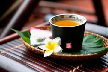 Follow the charm of delightful tea