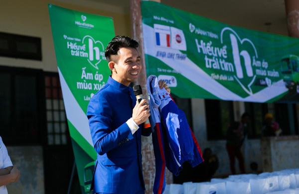 Nhựa Long Thành trao hơn 1.000 phần quà Tết ở huyện nghèo Đắk Lắk