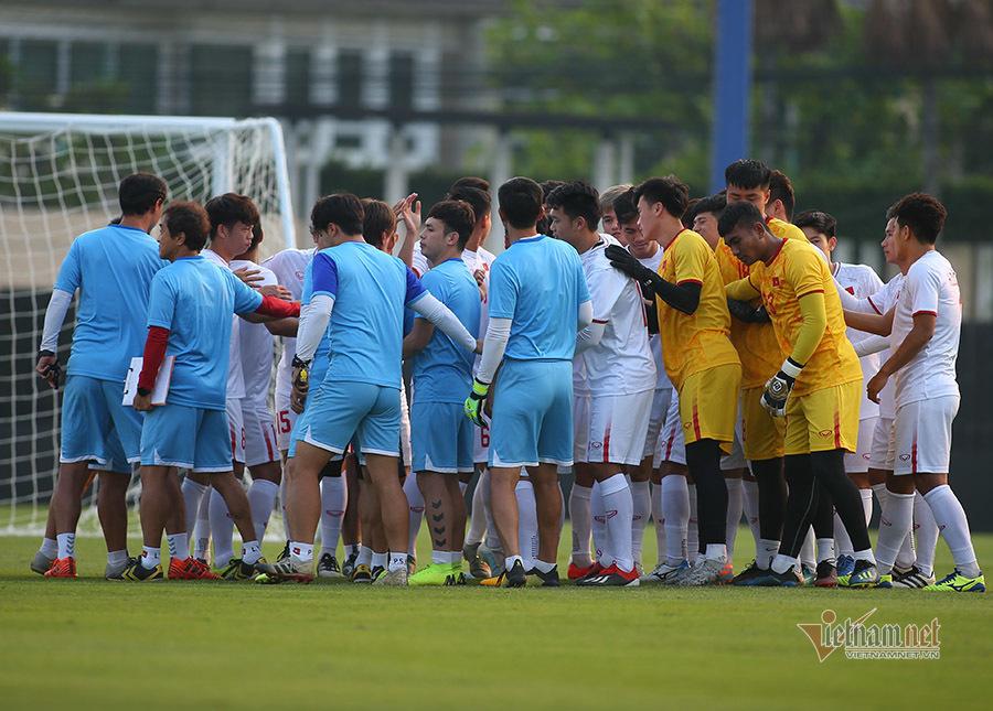 HLV Park Hang Seo cầu nguyện, mong U23 Việt Nam gặp may