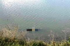 Thi thể người đàn ông nổi trên sông Ly Ly