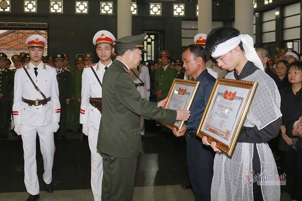 Lời lay động tiễn đưa 3 chiến sĩ hy sinh ở Đồng Tâm