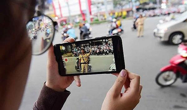 Traffic police,citizens allow to film traffic police,examining and handling violations