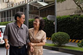 Giúp bố mẹ già khơi dậy những niềm vui bị 'lãng quên'