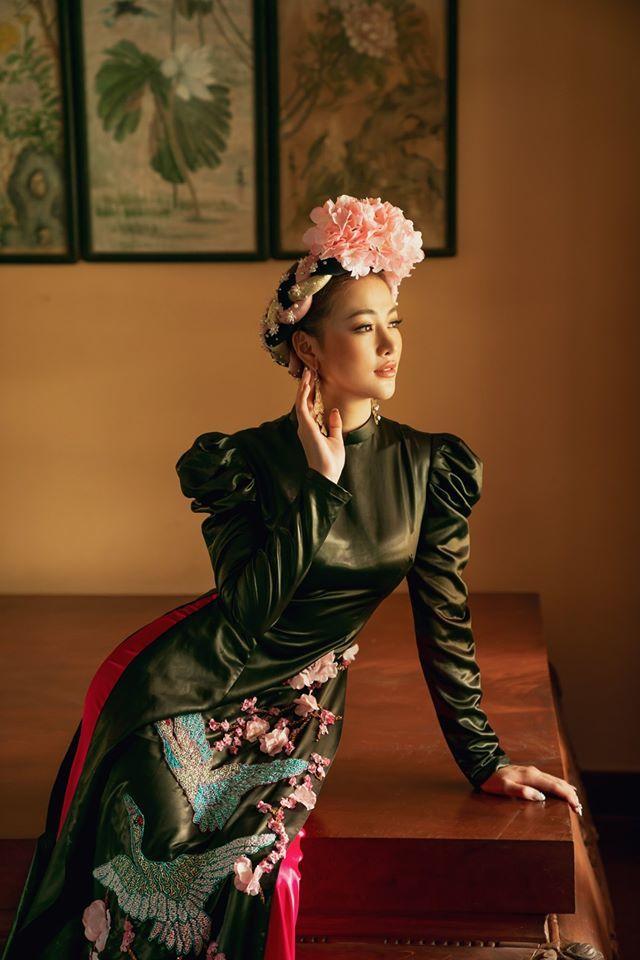 Minh Tú và Phương Khánh đọ sắc trong trang phục áo dài sang chảnh