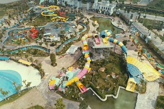 Hanoi's biggest water park demolished for construction violation