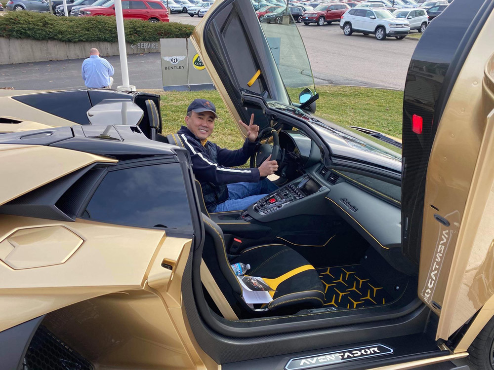 Đẳng cấp dân Việt tại Mỹ: Tậu mui trần Lamborghini Aventador SVJ Roadster siêu đắt