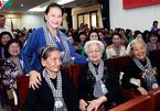 Chủ tịch Quốc hội dự cuộc họp mặt 'Đội quân tóc dài', 'Bộ đội Thu Hà'