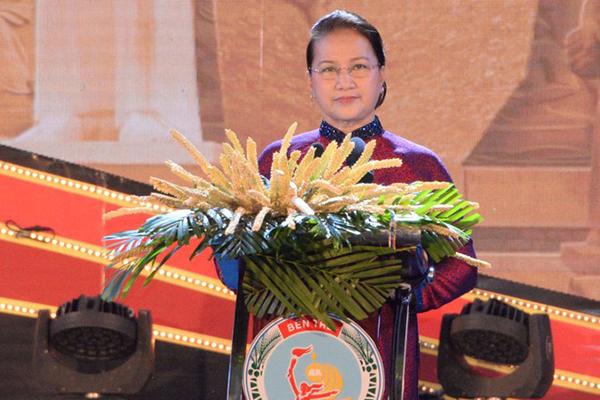 Chủ tịch Quốc hội dự lễ kỷ niệm 60 năm ngày Bến Tre đồng khởi