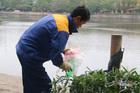 Tiết lộ của nam công nhân túc trực bên hồ ngày ông Công ông Táo