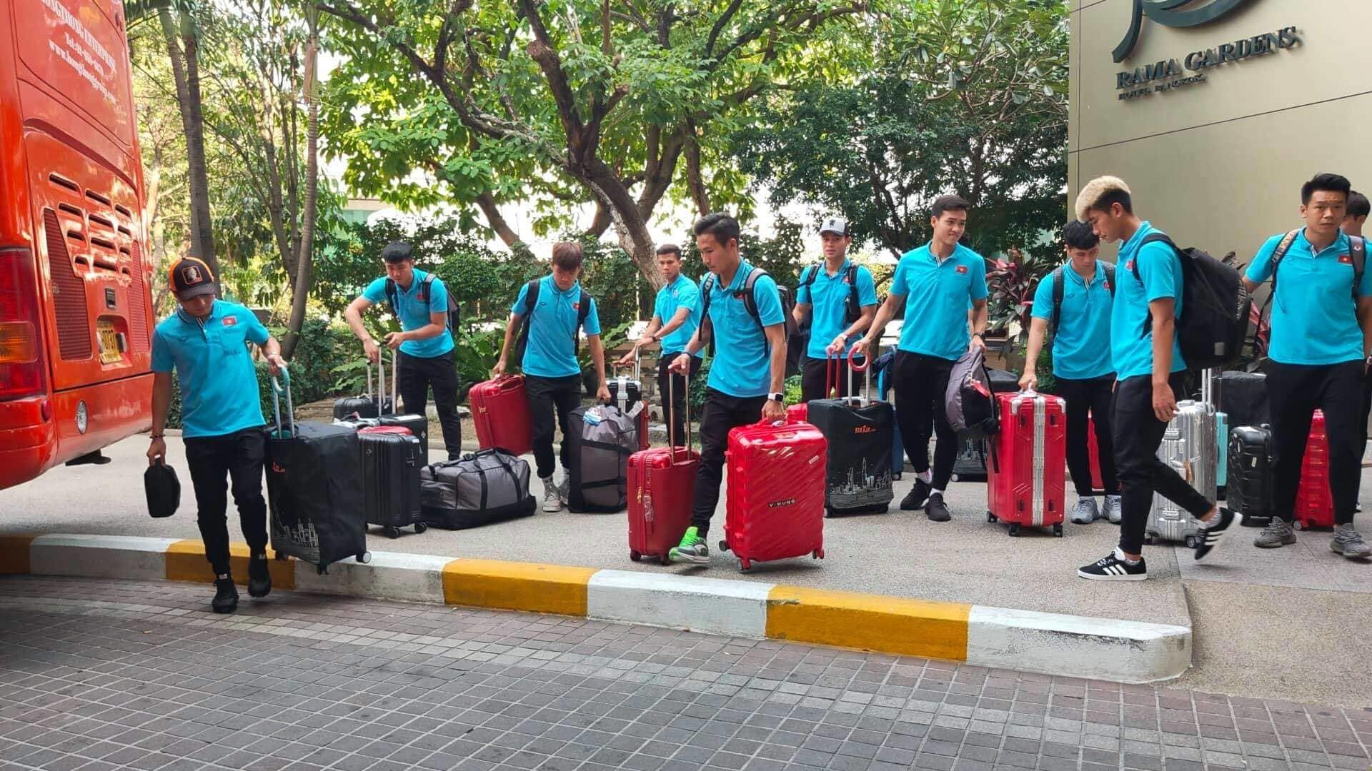 U23 Việt Nam lặng lẽ về nước