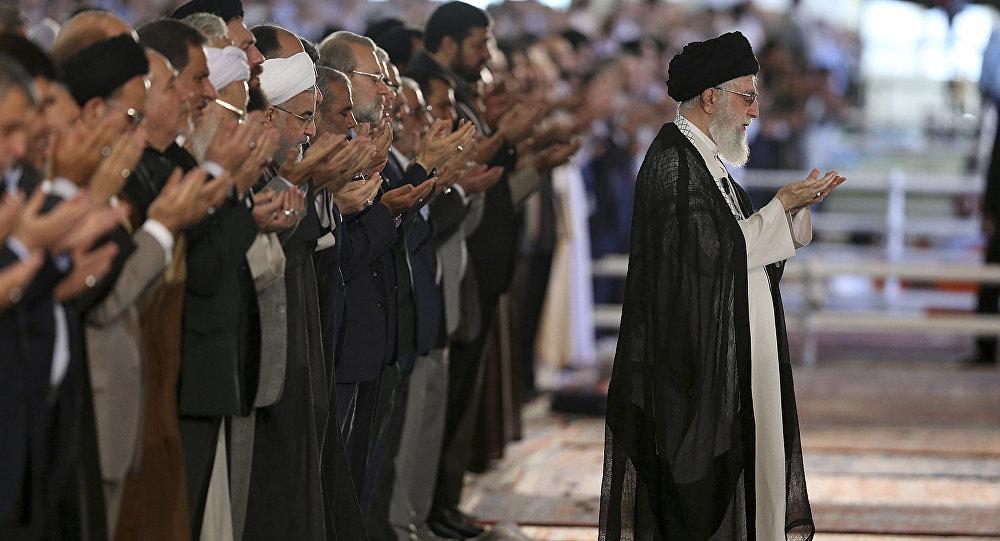 Lãnh tụ tối cao Iran châm chích quan chức Mỹ