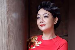 Nghệ sĩ Trà My khoe vẻ mặn mà trong áo dài xuân