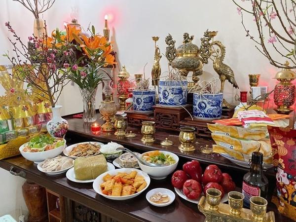 Chi Pu,Lệ Quyên,Văn Mai Hương,Tự Long,Thu Quỳnh,Trấn Thành,Ngô Kiến Huy,Tuấn Trần,sao Việt
