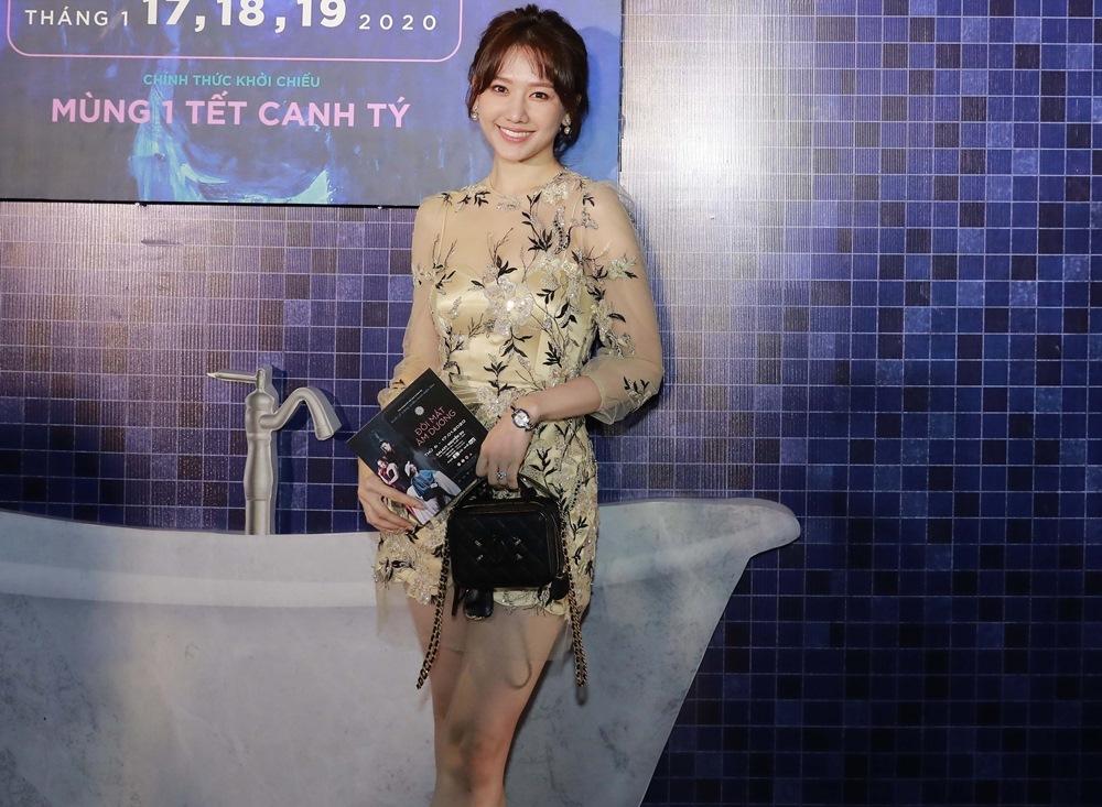 Thu Trang, Bảo Thanh khéo khoe vòng 1 trước Quốc Trường